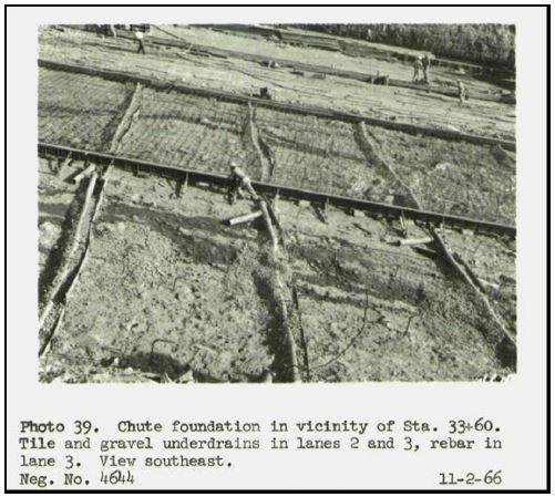Áreas extensas de suelo (material suelto) bajo la cimentación